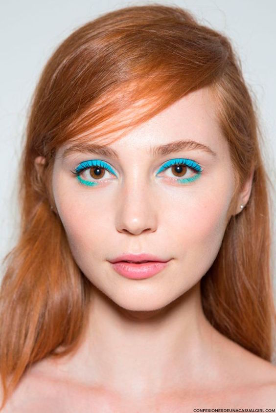 Blue eye make up L&L 2.jpg